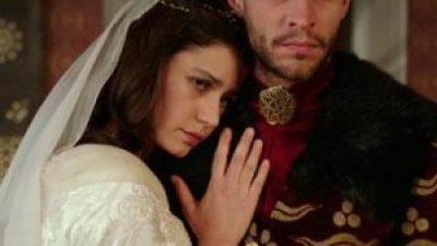 Muhteşem Yüzyıl Kösem'i Beren Saat de kurtaramadı
