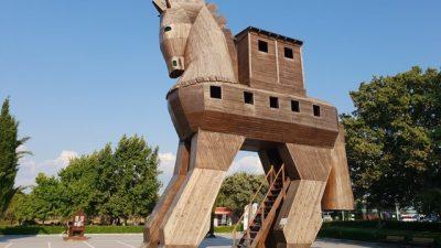 Troya Antik Kenti'nde bir gezinti! Truva atı gerçekten var mı?